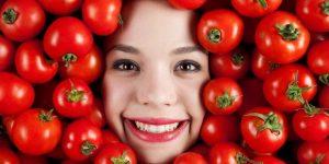 ماسک روشن کننده پوست آب گوجه فرنگی و ماست