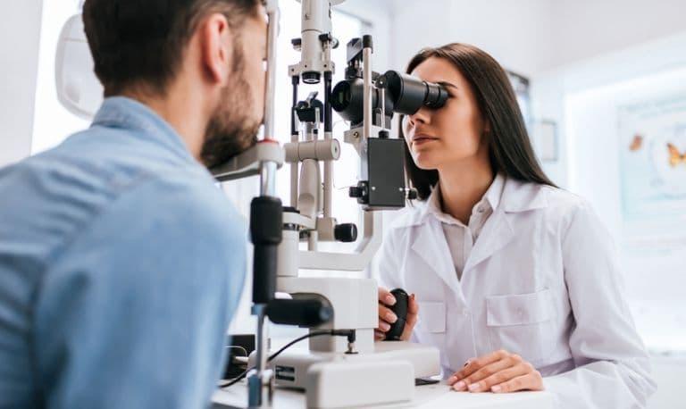 رتینوسکوپ چیست و چه کاربردی دارد ؟ + خرید