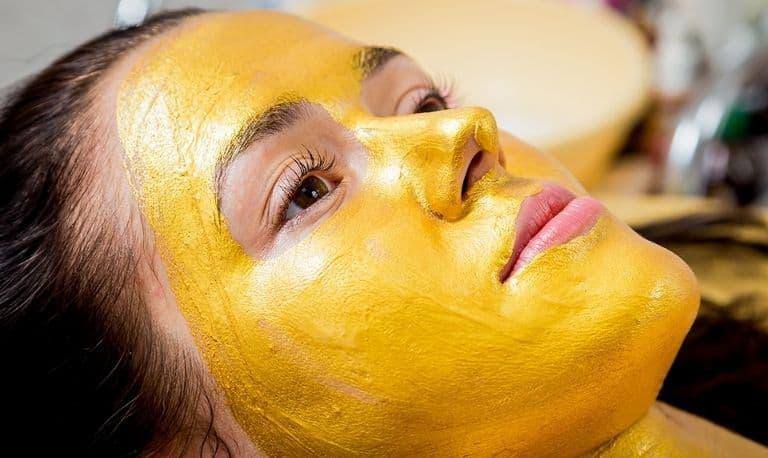 ماسک زردچوبه برای سفیدی پوست صورت و بدن