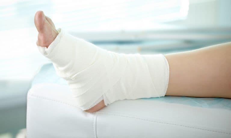 آموزش نحوه پانسمان زخم پای دیابتی در منزل