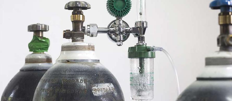 کپسول اکسیژن ده لیتری چند ساعت کار میکند؟