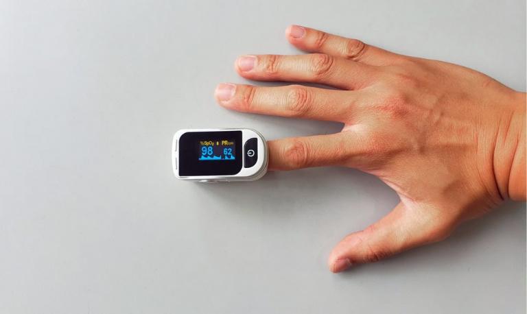بهترین مارک پالس اکسیمتر انگشتی کدام برند می باشد؟ راهنمای خرید پالس اکسیمتر
