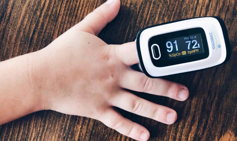 کدام انگشت برای پالس اکسیمتر مناسب است؟ آیای این تست دقیق است؟